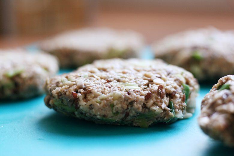Vegetarischer Champignonburger mit Süßkartoffelpommes