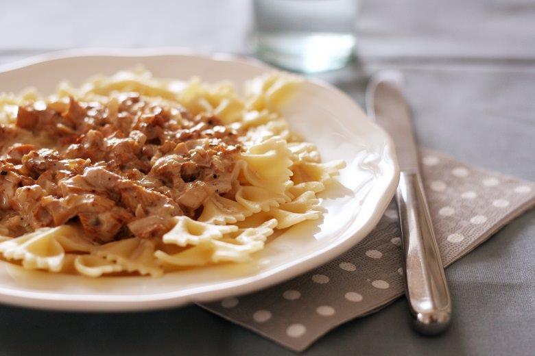 Pasta mit veganer Pfifferlingsoße